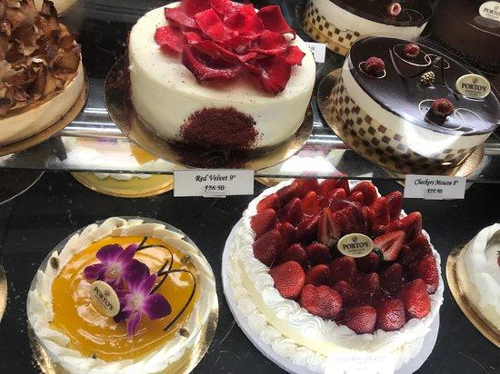 Porto's Bakery & Cafe: Specialty cakes
