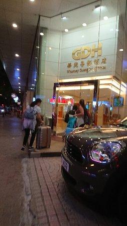Bien placé, qualité /prix OK pour Hong Kong