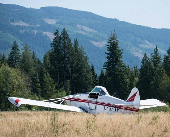 Vancouver Island Soaring Centre: Tow Plane