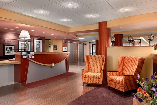 Hampton Inn York: Reception