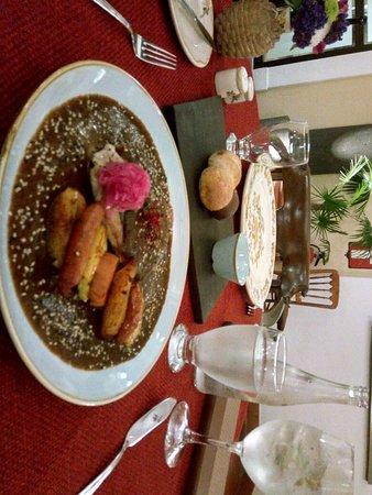 Comida exquisita en un ambiente Mexicano