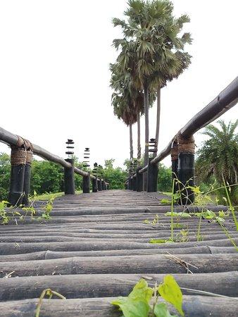 Bridge that side small garden