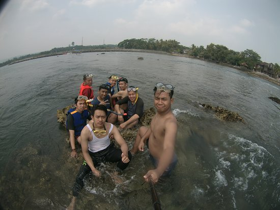 Carita, Индонезия: Area Snorkling sekitar 10 menit dari pantai