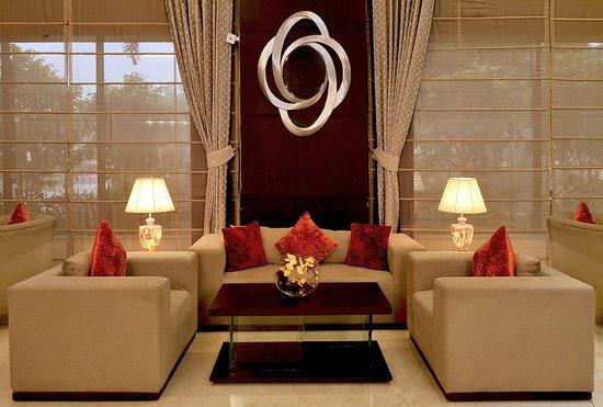 Country Inn & Suites by Radisson, Gurgaon Sector 12: Lobby