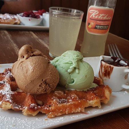 Maison Dandoy - Tea Room & Waffles: photo1.jpg