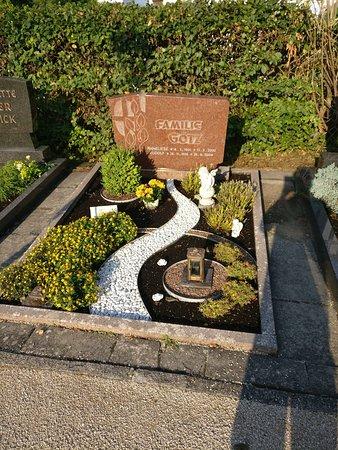Velburg, Jerman: exemple de tombe du cimetière à visiter
