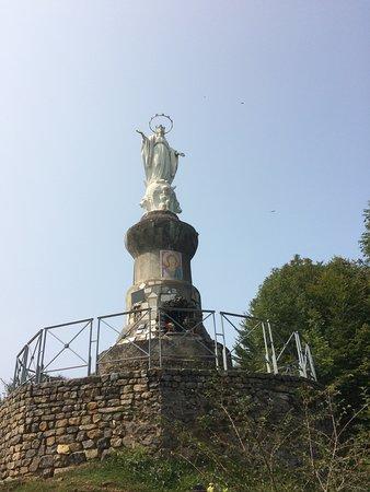 Bagneres-de-Bigorre, Frankrike: La vierge du Bédat