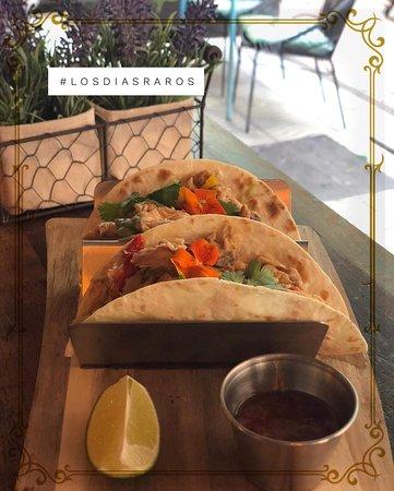 Los Dias Raros: Tacos