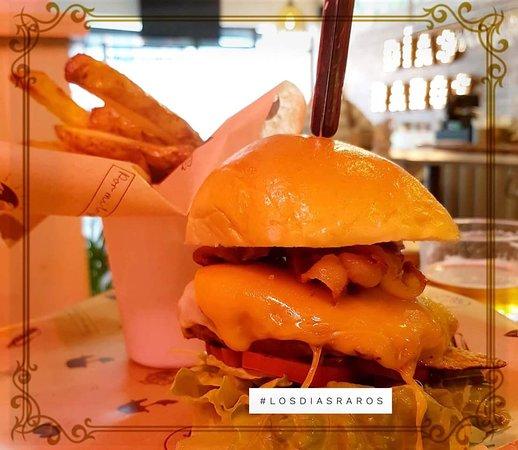 Los Dias Raros: Americam Burger
