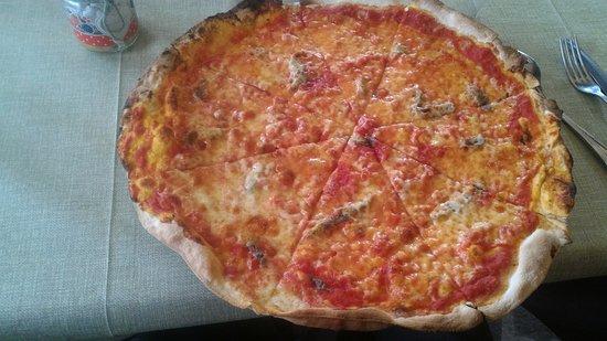 Attigliano, Italie : Pizza napoli