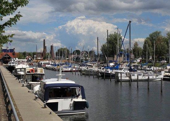 Haven Van Huizen : De haven van huizen restaurant reviews phone number photos