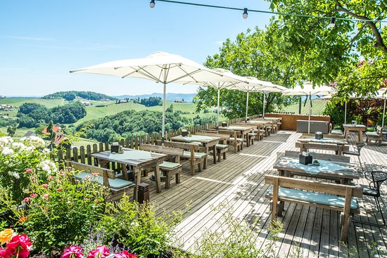 Ratsch an der Weinstrasse, Austria: Wirtshaus Terrasse