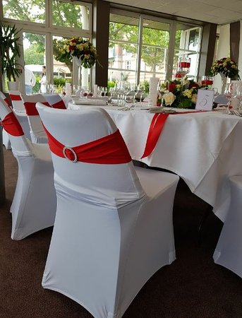 Chaise Mariage Picture Of L Etiquette Restaurant Du Golf