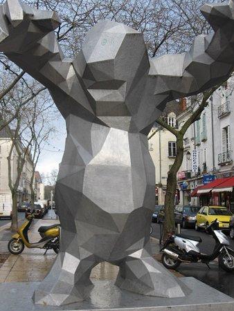 Statue Le Monstre