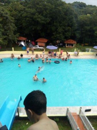 Faxinal: piscina com tubuagua