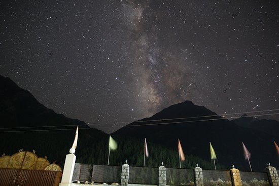 Chitkul, Indien: View of Galaxy from the lawn