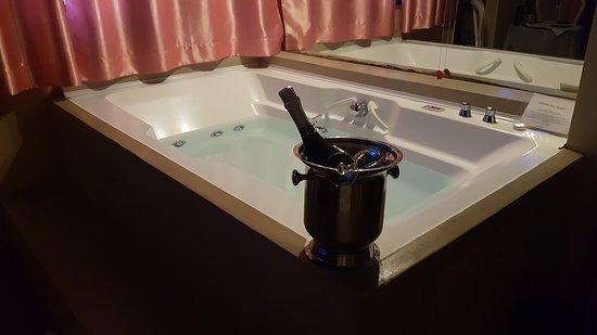 Vasche Da Bagno Idromassaggio : Vasca da bagno idromassaggio in stanza picture of hotel il