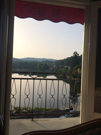 Peyrat-le-Chateau, França: Room with a view!