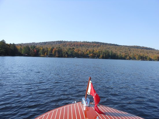 Rivett's Marine - Boat Rentals: On the Lakes
