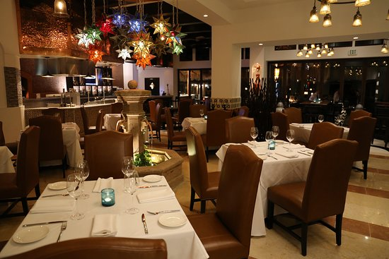 ويلك ريزورتس سيرينا ديل مار: Estrella Restaurante