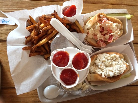 Days Crabmeat and Lobster: A lot of tasty food