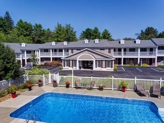 Port Inn Kennebunk, an Ascend Hotel Collection Member: Take a dip in our heated pool, open from May to October