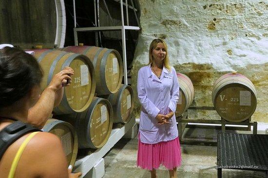Инкерманский Завод Марочных Вин: Экскурсовод