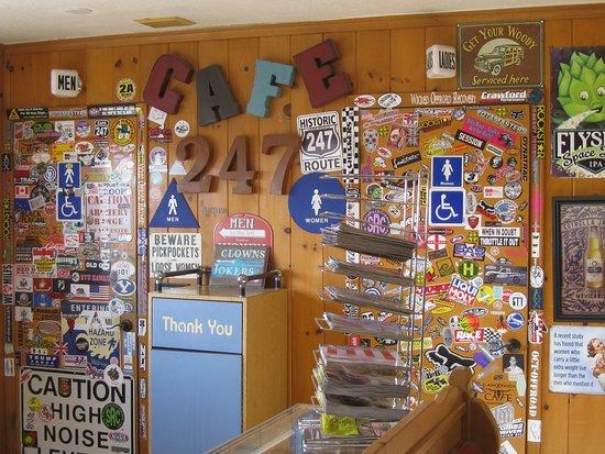 Lucerne Valley, CA: Cafe 247 Inside Bathrooms