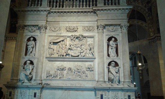 Santuario Della Santa Casa : fronte della santa casa