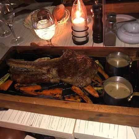 Captain's Steakhouse: photo0.jpg