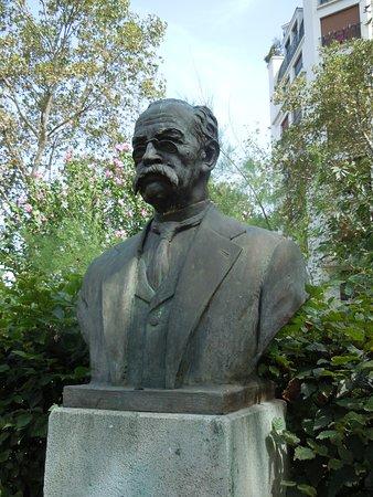 Statue de Ricardo Palma