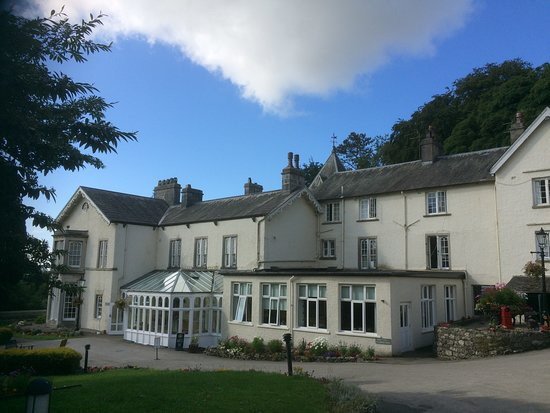 Abbot Hall Hotel: View of hotel
