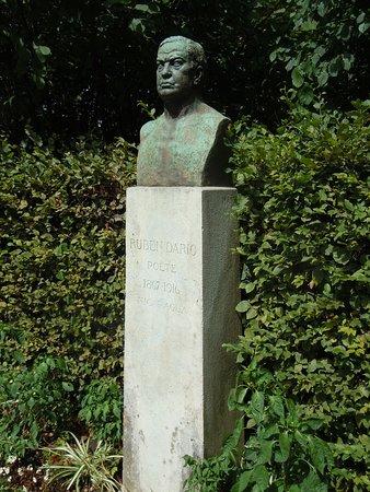 Statue de Ruben Dario