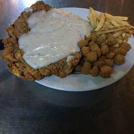 287 Roadhouse Restaurant & Sportsbar: Chicken Fried Steak