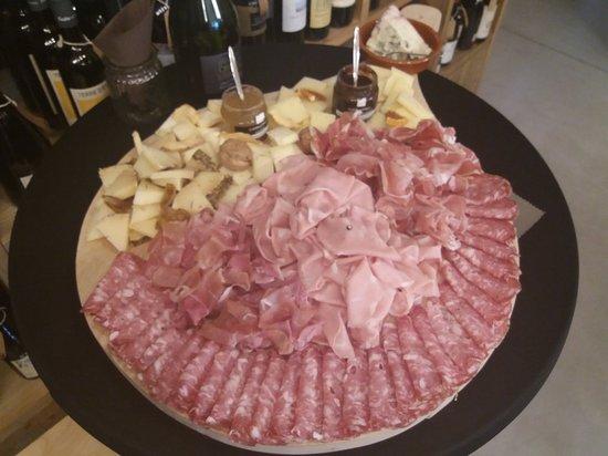 Borgoricco, Italy: In Vino Veritas - Enoteca con GUSTO....