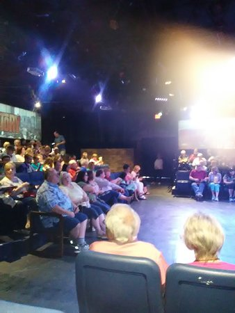 Hurst, TX: Community theater in the round..