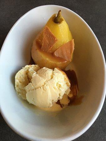 Martinsville, Нью-Джерси: Poached Pear with vanilla ice cream & caramel sauce