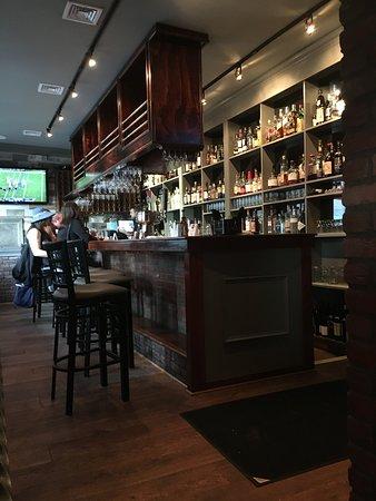 Martinsville, NJ: Rustic Bar