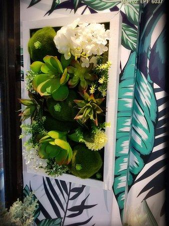 Interior - Floral Decoration - Picture
