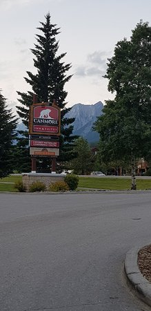 Canmore Inn & Suites: 20180725_185238_large.jpg