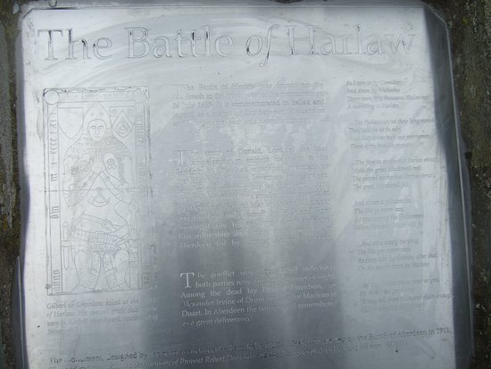 Battle of Harlaw Monument: The information board - bit hard to read - needs some maintenance