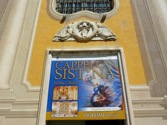 Sistine Chapel Savona: Entrée de la chapelle sixtine de Savone