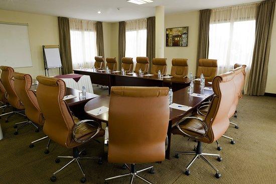 Protea Hotel by Marriott Kampala: Meeting room