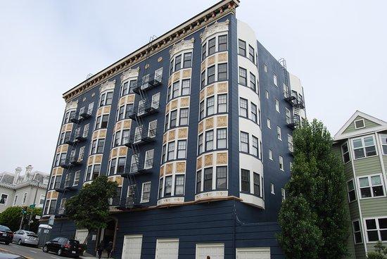 990 Fulton Street House