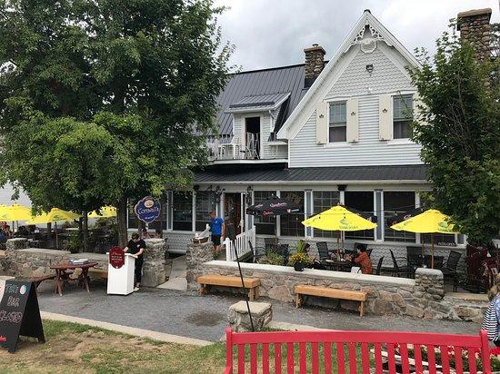 Rockport, Canada: Pretty Pub!