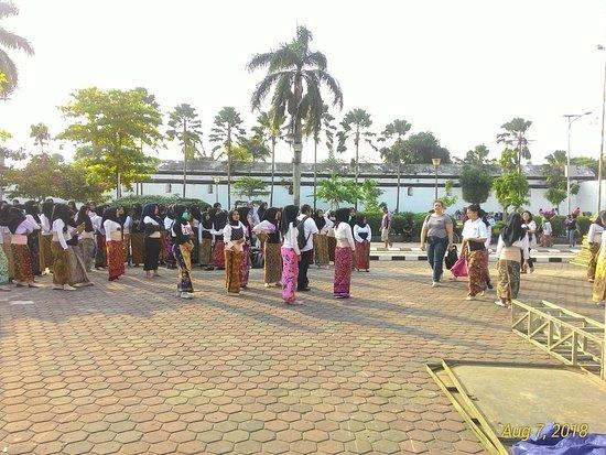 Benteng Kuto Besak: field front of fort