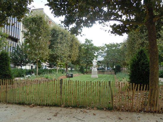 Square Adolphe-Chérioux