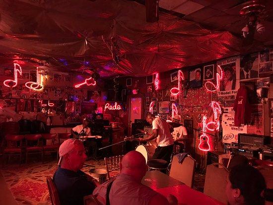 Red's Lounge: Comenzando...