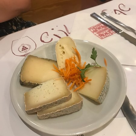 Top wine and cheese place in Rome