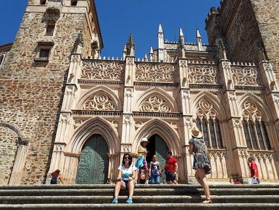 Museos del Real Monasterio de Guadalupe: Portada principal